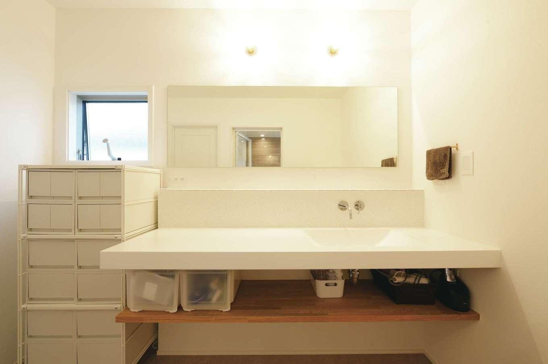 ハートホーム【デザイン住宅、趣味、間取り】宙に浮かんでいるように見えるおしゃれな洗面台