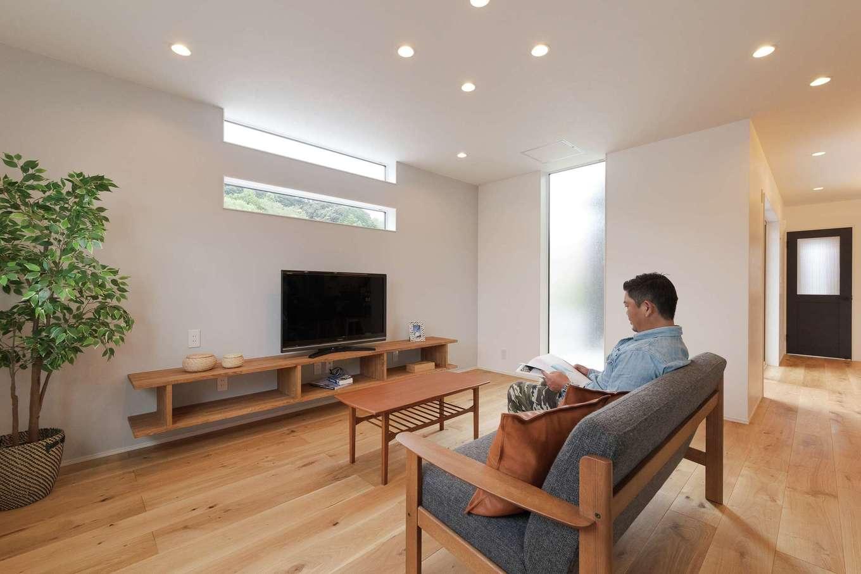 KureKen 榑林建設【デザイン住宅、省エネ、間取り】リビングの窓の位置やガラスの選択は外からの視線に配慮した