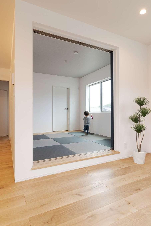 KureKen 榑林建設【デザイン住宅、省エネ、間取り】和室は一段上げて個室感を演出。畳は市松模様に
