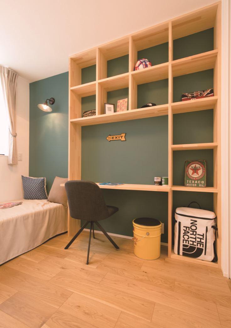REIWA HOUSE(令和ハウス)【浜松市中区葵西2-18-21・モデルハウス】こども部屋には収納と勉強机を両立した造作家具を設置