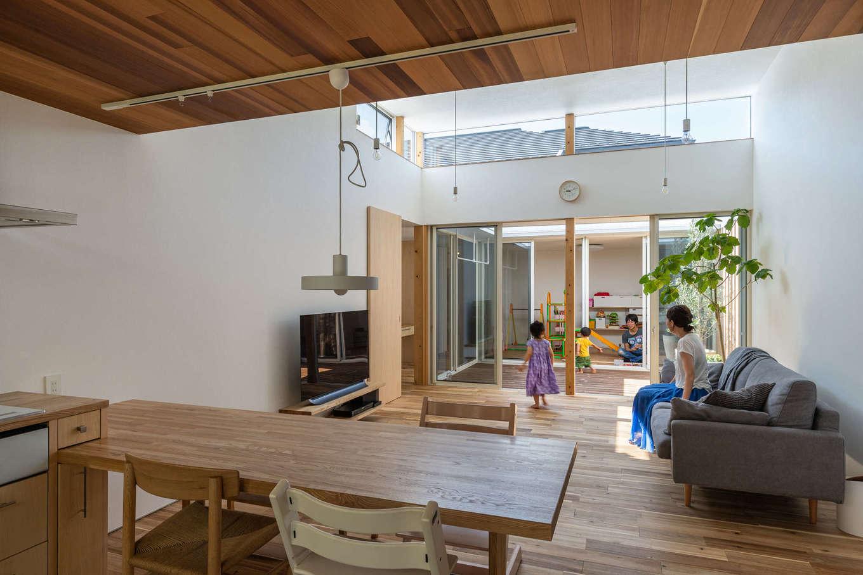 NATUREスペース【狭小住宅、建築家、平屋】リビングから連続した空間づくり。内リビングと外リビングの繋がりは家族も楽しみ方が無限大