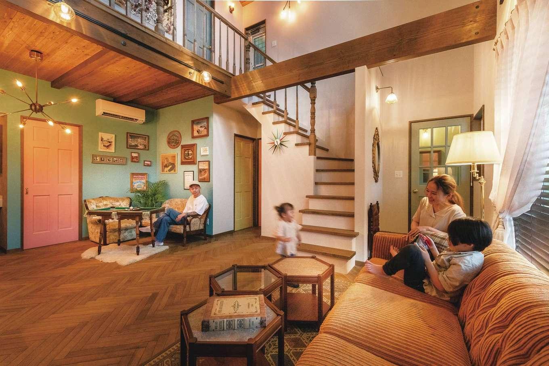 富士ホームズデザイン【デザイン住宅、ガレージ、インテリア】圧倒的な開放感、無垢や珪藻土などの自然素材のぬくもり、そしてY夫妻のセンスが1つに溶け合い、思い描いていた空間が実現