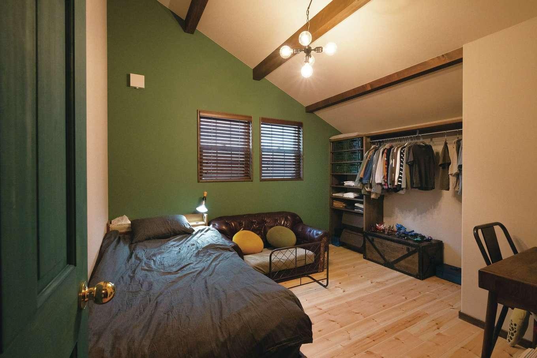 富士ホームズデザイン【デザイン住宅、ガレージ、インテリア】大きくなってから、さらにうれしさを感じそうな長男の部屋。オープンな収納も機能