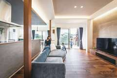 ダブル断熱の年中快適な大空間で 家族時間を多彩に楽しめる家