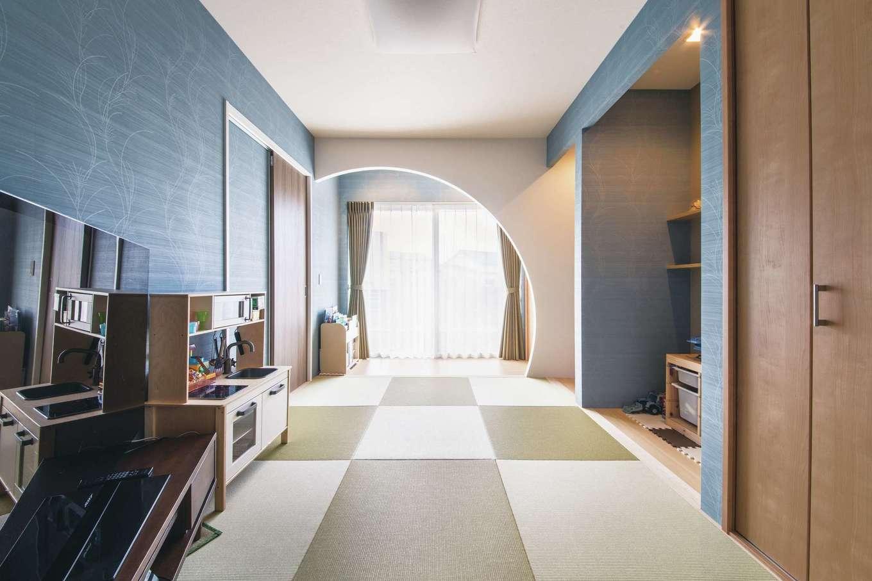 コットンハウス【デザイン住宅、子育て、省エネ】モデルハウスにならって広縁の壁をR型にした斬新な和室