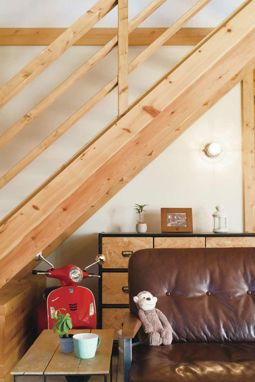 BESS浜松【デザイン住宅、子育て、趣味】目黒の「アクメファニチャー」で買ったヴィンテージ風ソファが家族の定位置