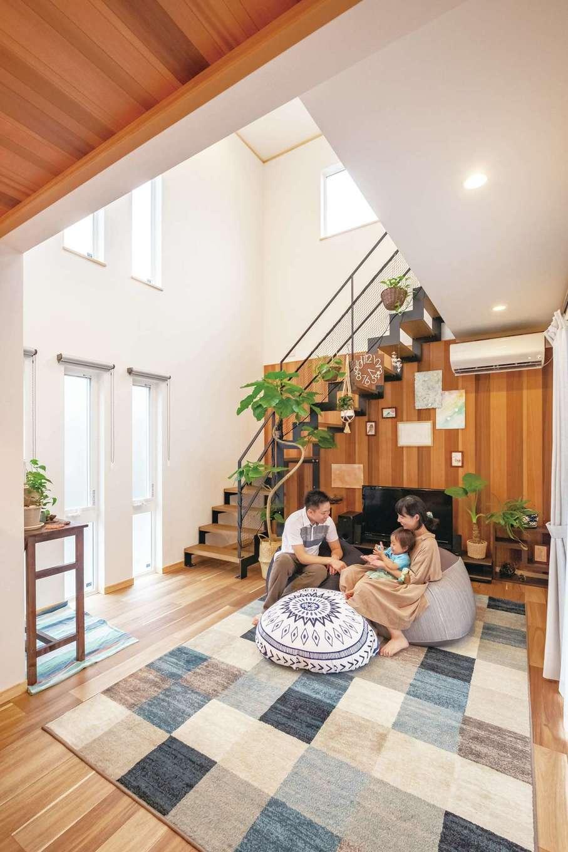 ぽっくハウス【芦工匠】【1000万円台、デザイン住宅、自然素材】大らかさ、ナチュラル感、あたたかみが溶け合うLDK。壁の一面は、標準仕様でウッドパネルにできるので、追加料金を気にせず、ぬくもりをプラス