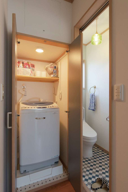 石上建設【和風、省エネ、間取り】洗濯機用の独立した収納スペース。洗濯物を干すベランダ近くに設置して、家事効率もアップ