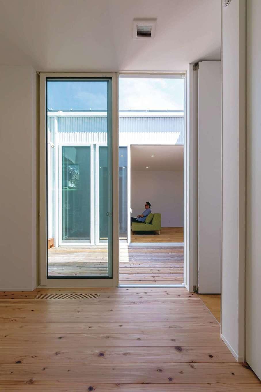 SIMPLE NOTE 浜松南【浜松市南区高塚町4692-12・モデルハウス】全室が中庭に面しているので、満遍なく光と風が行き渡る