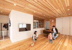 自然素材リフォームで暖かく心地いい、子育てにも安心の空間に