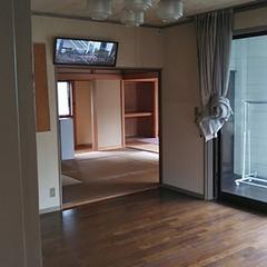 スケルトン状態にする前は、リビングと和室の2間が主な生活空間だった