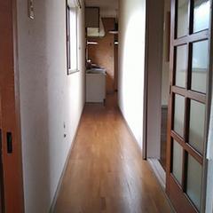 キッチンは回り廊下にあり、不便な家事動線だった