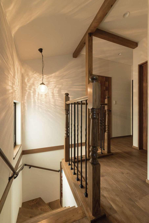 TDホーム静岡西 ウエストンホームズ【デザイン住宅、子育て、自然素材】先が丸い親柱がアンティーク感を添える