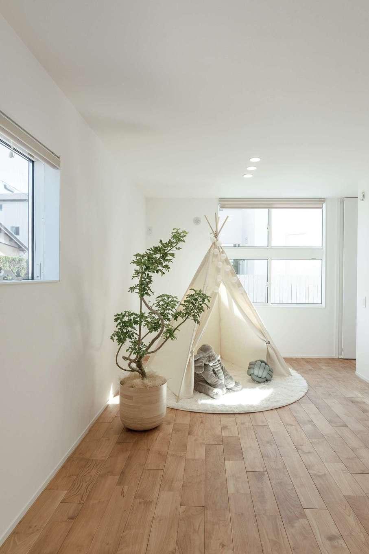 住家 ~JYU-KA~【静岡市清水区七ツ新屋357-2・モデルハウス】1階にレイアウトされた子ども部屋は将来的に2つに分割できるつくり。家族構成や暮らし方の変化を柔軟に受け止める