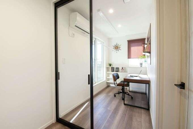 2人同時のテレワークのために2階書斎を設計 室内干しスペースとしても大活躍!