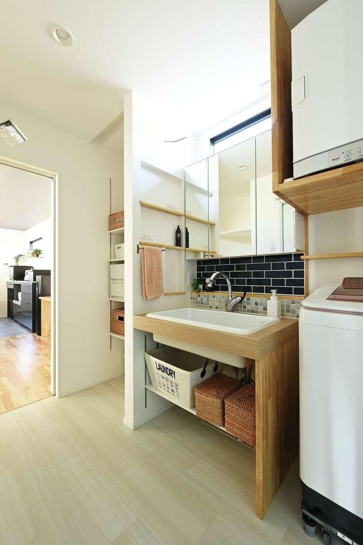 内田建設【デザイン住宅、間取り、建築家】予算的に難しかった洗面台は造作したことでコストダウンに。かえってオシャレな雰囲気になった