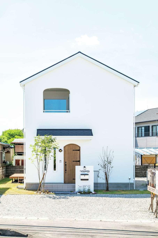 cozy house(小塚建設)【デザイン住宅、自然素材、間取り】外壁は雨の水垢やコケが付きにくく、メンテナンスが楽な塗り壁