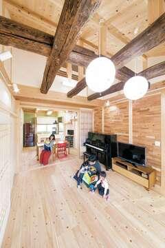 光と風、木の温もりあふれる古材を使ったBELS認定の家