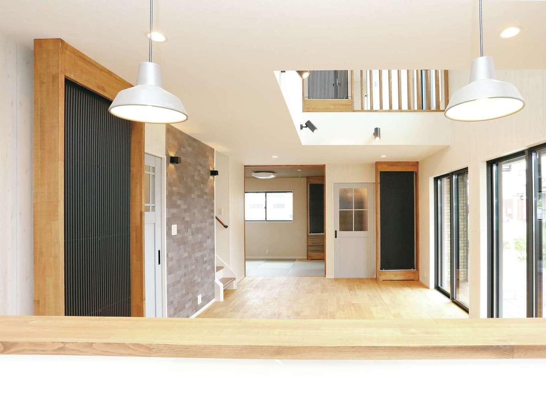 誠一建設 【デザイン住宅、子育て、省エネ】スペイン漆喰「エスタコウォール」ならキレイが長続き。殺菌効果もありカビの発生を抑制。クール暖との相性が良く、二次ふく射熱を放射しエネルギー効果を高める