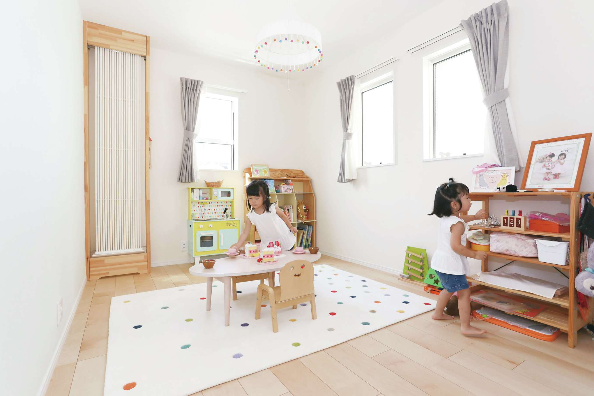 誠一建設 【デザイン住宅、自然素材、省エネ】2階子ども室も広々。「クール暖」のパネルは各部屋に設置