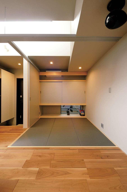 MABUCHI【デザイン住宅、建築家、ガレージ】間仕切りもできる畳コーナー