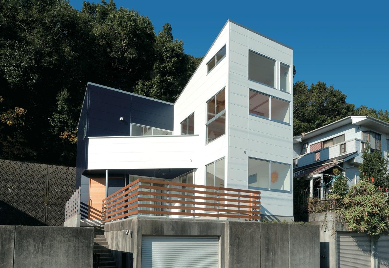 建築家とリーズナブルに建てた 機能性と遊び心いっぱいの家
