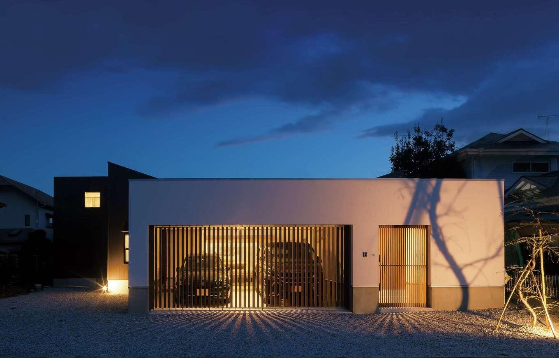 平屋、中庭、ガレージ…新築への憧れをすべて叶えた家