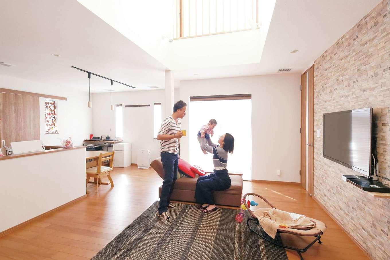 年間通じて家中20℃台 超高断熱が可能にするエアコン1台で全館空調の家