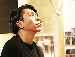 博報堂のクリエイターであり、HIPHOPアーティスト。小山秀一郎が、異分野で才能を開花できた理由