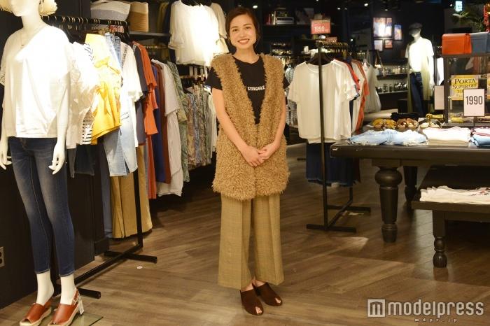「AZUL BY MOUSSY」横浜ポルタ店で取材を実施(C)モデルプレス