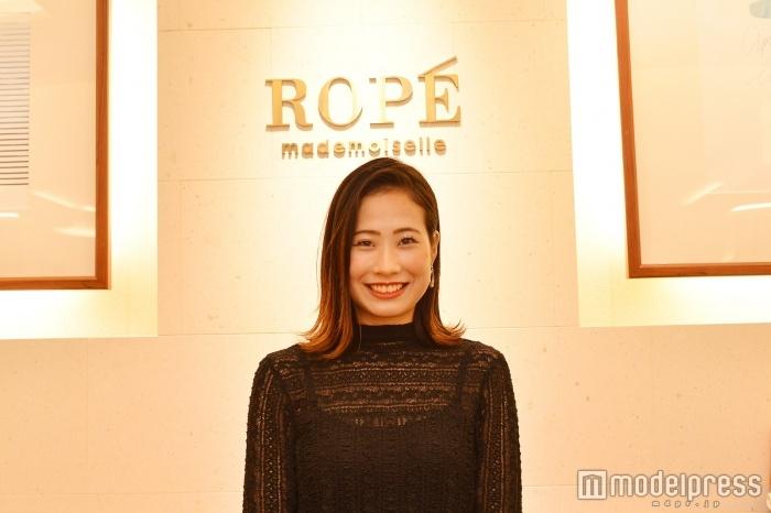 「ROPE'」販売スタッフの中澤由衣さん(C)モデルプレス