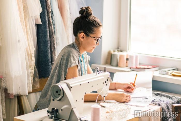 縫製技術者とは?世界に誇る縫製技術を担う、センスあふれる仕事内容 ...