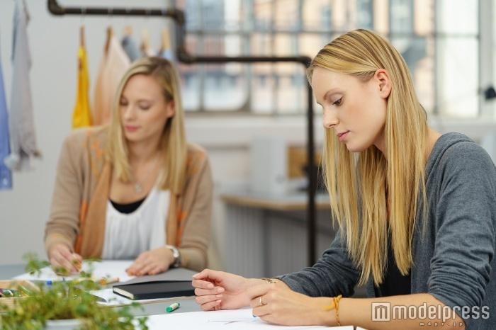 アパレル業界で本社勤務になるためには?効率的な求人の探し方/Photo by racorn