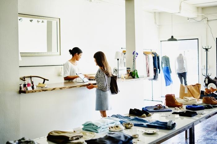 プロパー価格とは?アパレル店員なら知っておきたいファッション用語/Photo by Getty Images