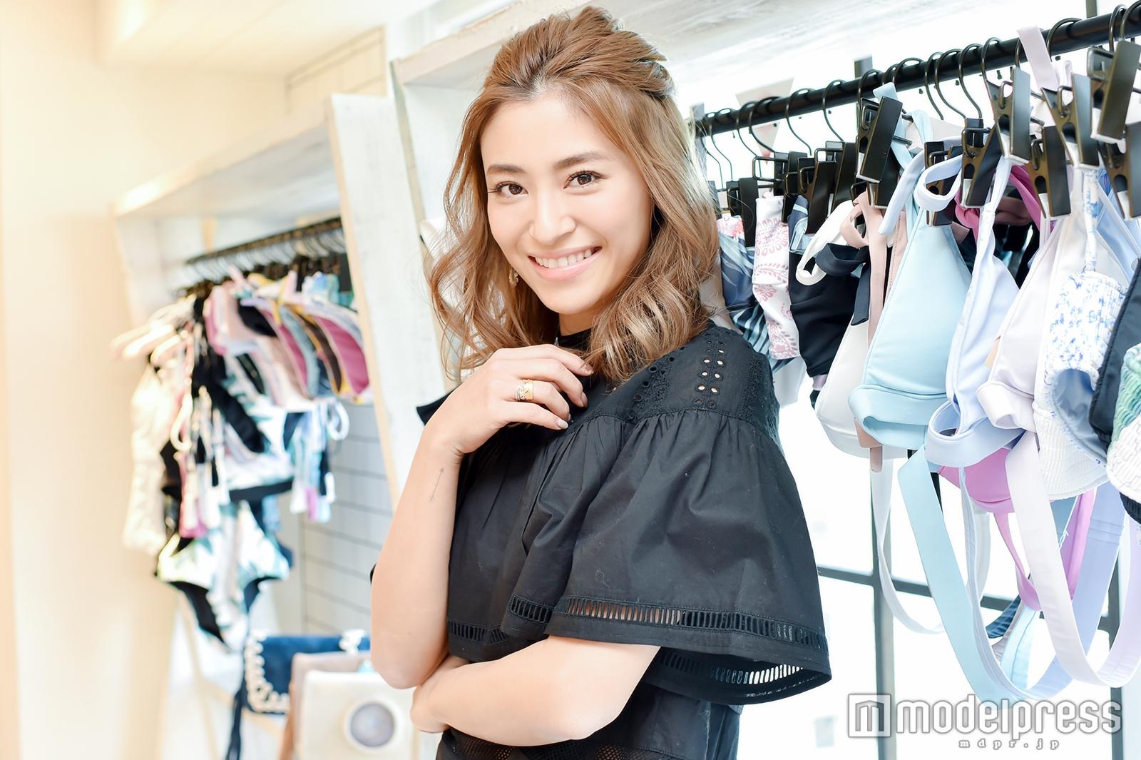 モデルプレスのインタビューに応じた山中美智子さん(C)モデルプレス