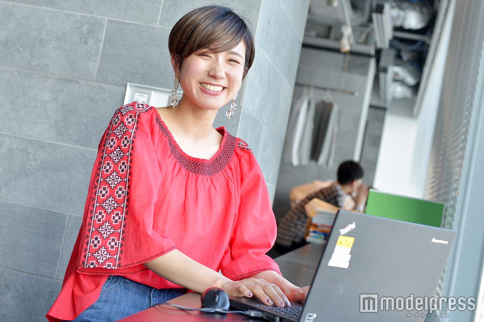モデルプレスのインタビューに応じた五十君彩さん(C)モデルプレス