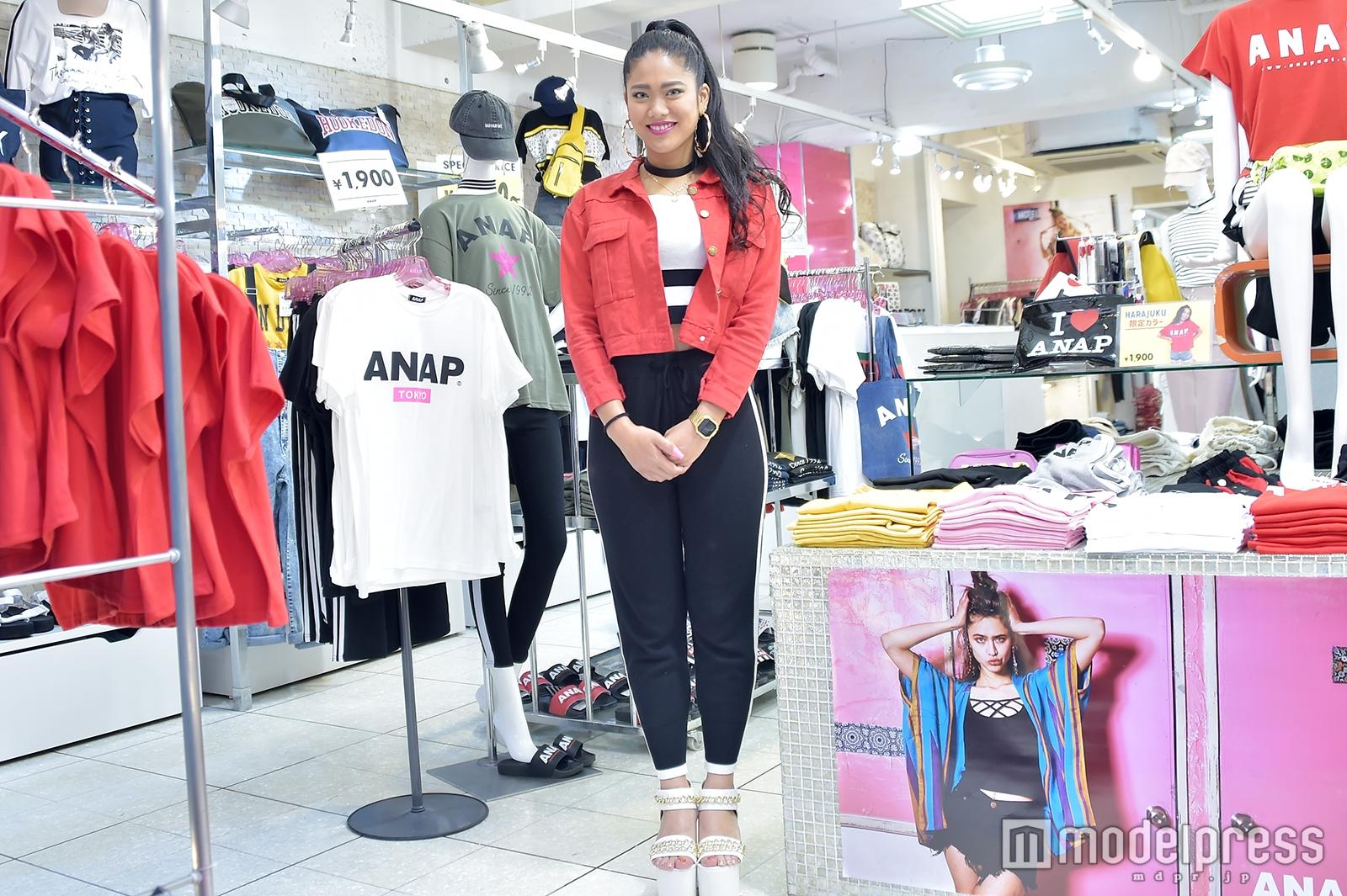「ANAP」原宿竹下通り店で取材を実施(C)モデルプレス
