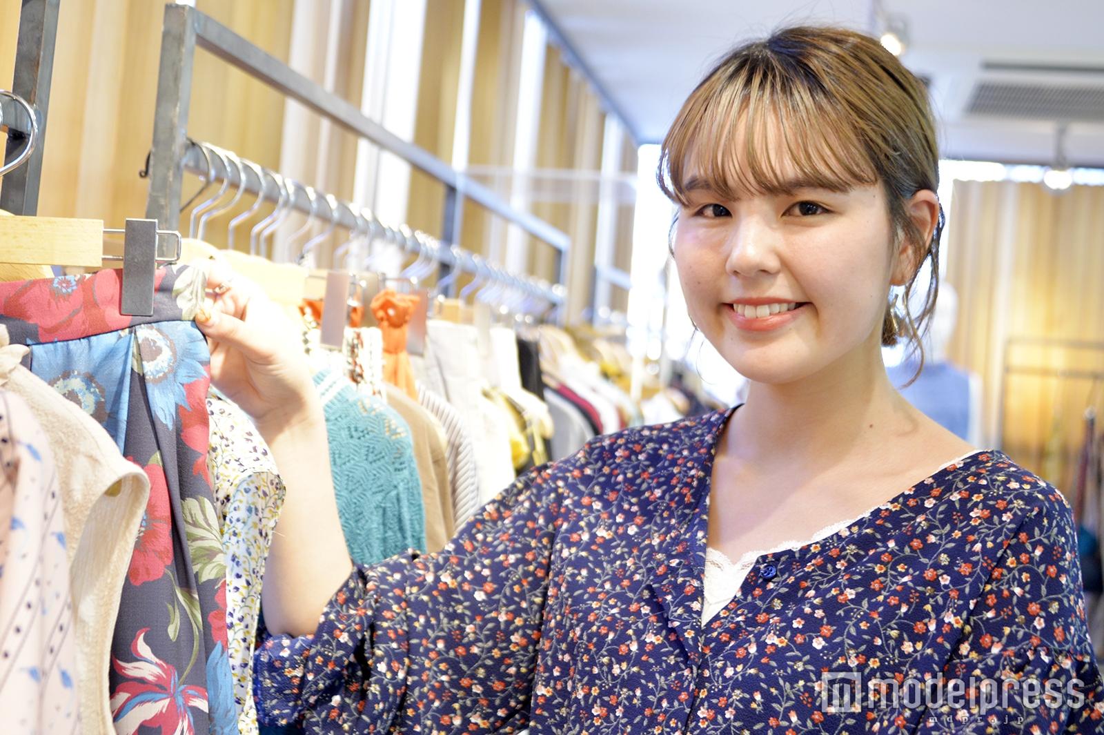 「Ray Cassin」プレスの山本栞奈さん(C)モデルプレス