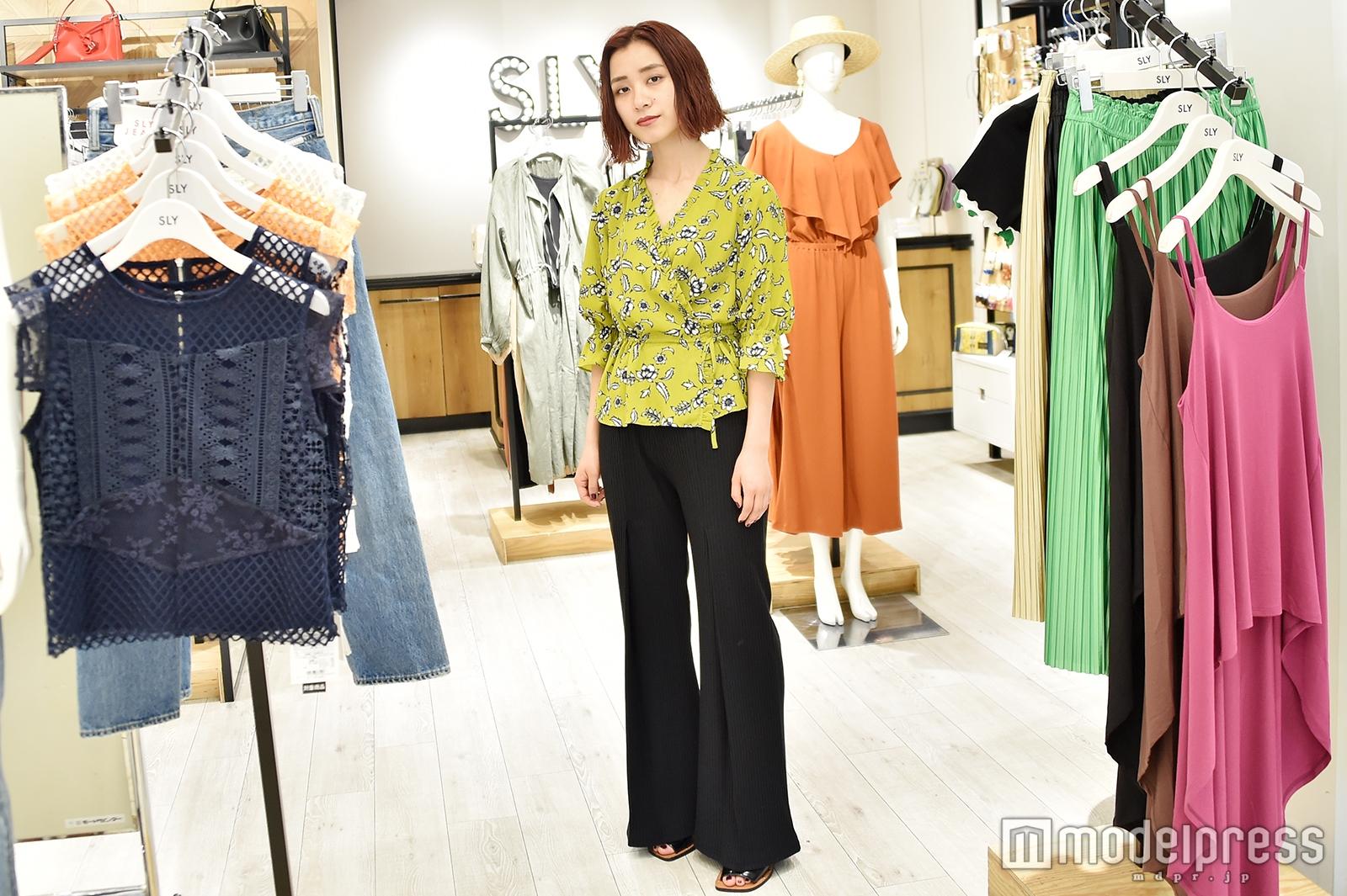 「SLY」ルミネエスト新宿店で取材を実施(C)モデルプレス