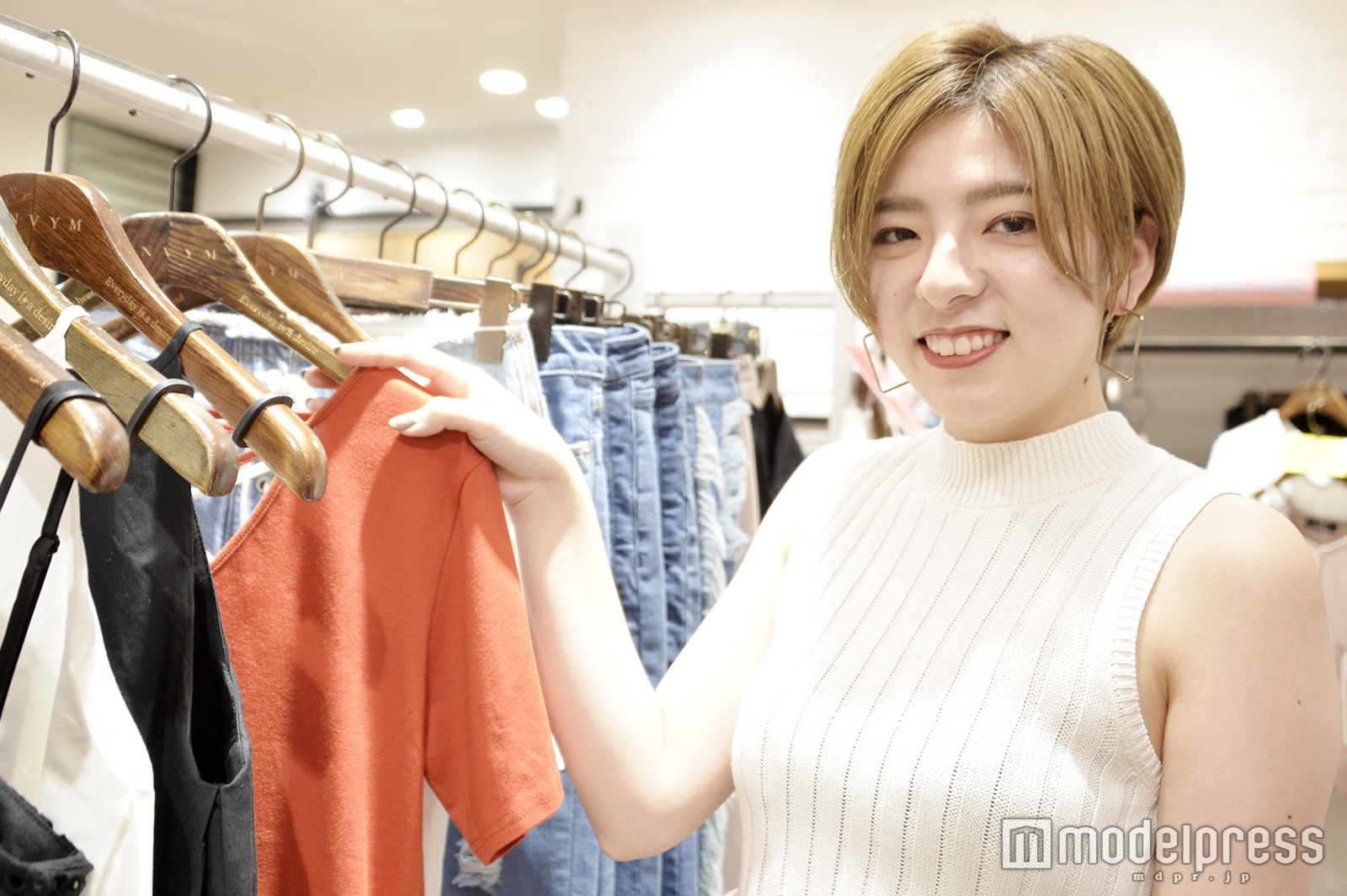 モデルプレスのインタビューに応じた関口麗奈さん(C)モデルプレス