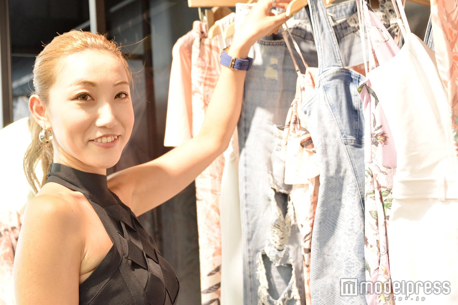 モデルプレスのインタビューに応じた小林英恵さん(C)モデルプレス