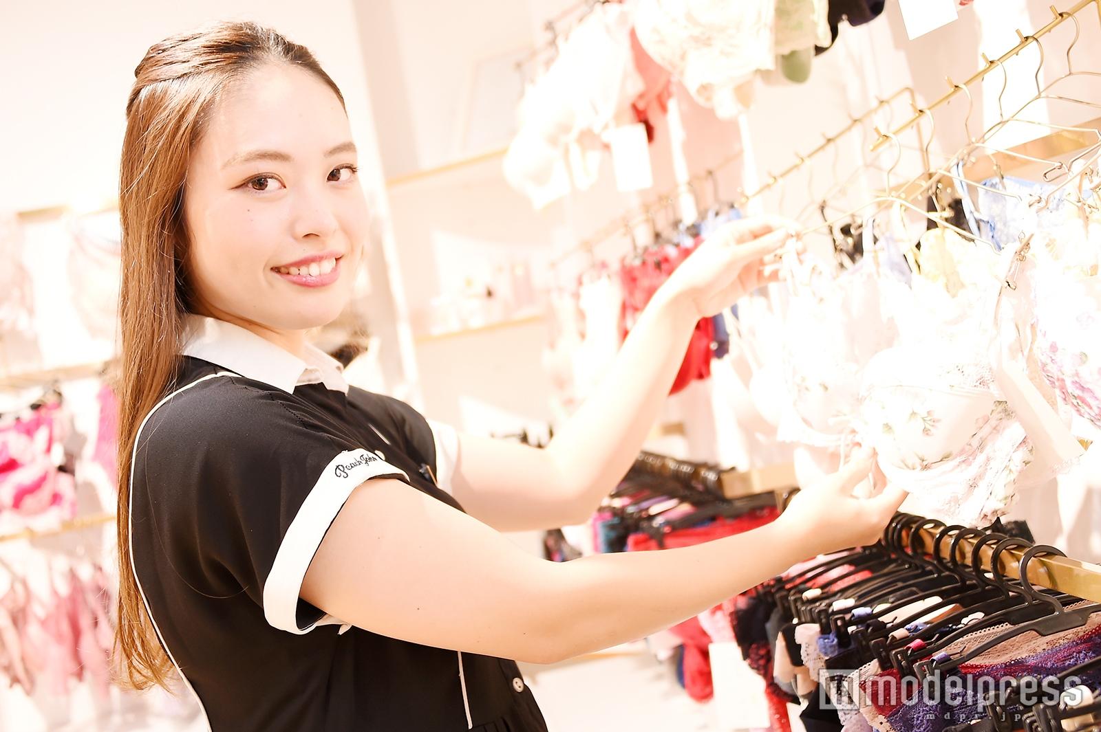 モデルプレスのインタビューに応じた川島里子さん(C)モデルプレス