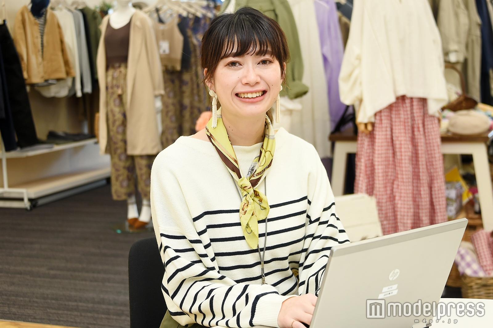 モデルプレスのインタビューに応じた小山亜希子さん(C)モデルプレス