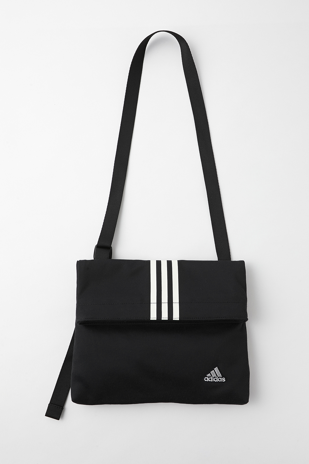 「adidas & MOUSSY」SACOCHE MSY(提供写真)