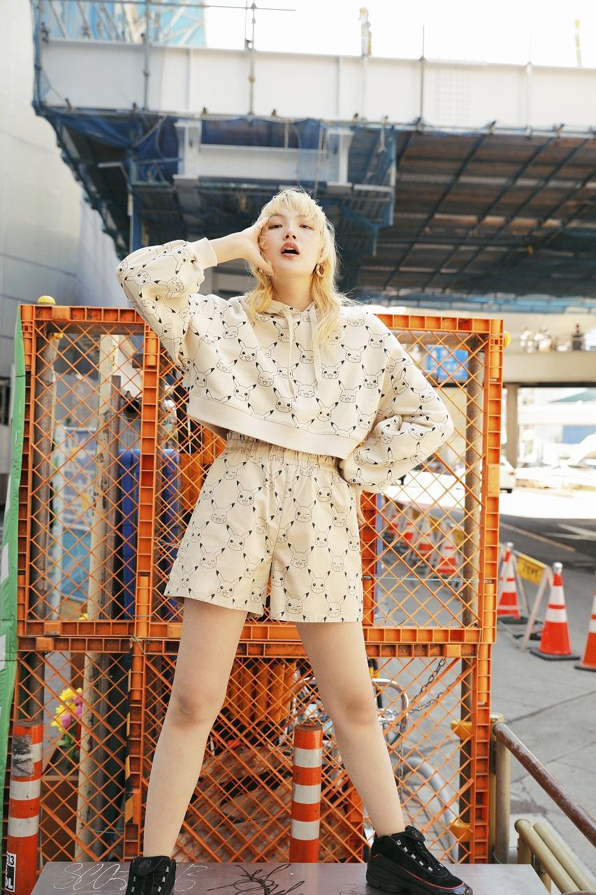 「H&M」×「ポケモン」フーディ2,499円、パンツ1,799円(提供写真)