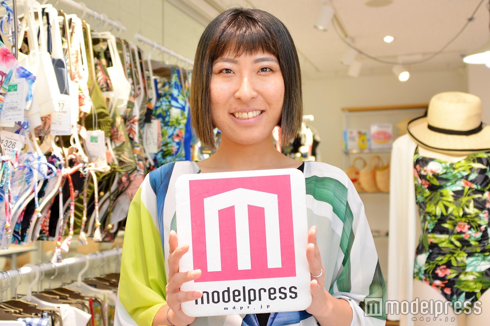 新保菜緒子さん(C)モデルプレス