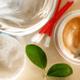 乳児湿疹で顔がカサカサ!赤ちゃんに保湿クリーム塗るべき?|専門家の見解