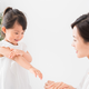 【小児科医監修】子どものアトピー性皮膚炎|薬は?原因と正しいスキンケア
