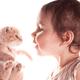 子供が熱を出した時に起きるひきつけや痙攣は違う症状?|専門家の見解