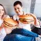 妊娠中の食事に関する悩み!ハンバーガー等が食べたい時の注意点とは?|専門家の見解
